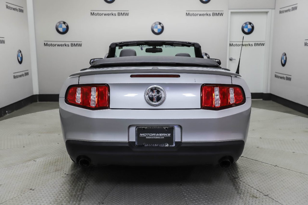 Pre-Owned 2011 Ford Mustang 2dr Convertible V6