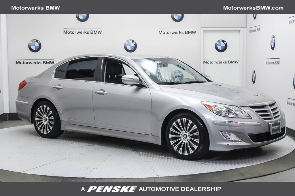 Pre-Owned 2013 Hyundai Genesis 4dr Sedan V6 3.8L